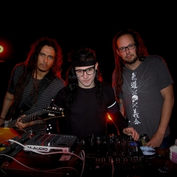 Korn & Skrillex – Get up