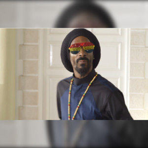 Snoop Lion & Major Lazer – Here Comes The King (video)