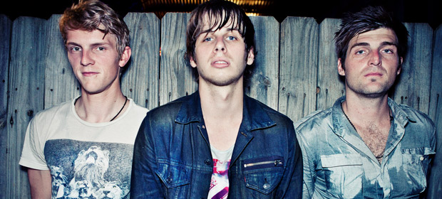 "Foster The People hacen un cover a Calvin Harris ""Under Control"""