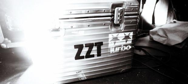 ZZT (Zombie Nation + Tiga) – Givin' In / SyZZTem700