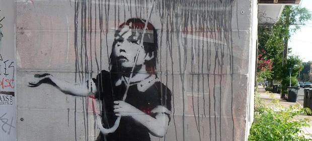 Intentan robar un Banksy llevándose la pared