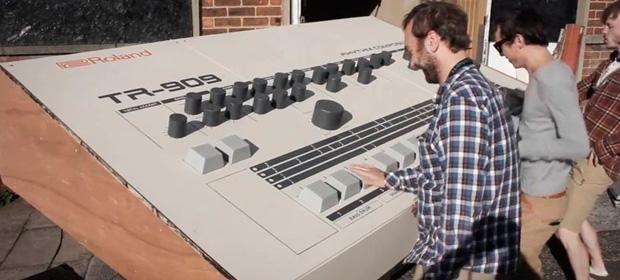 Crean una Roland TR-909 gigante