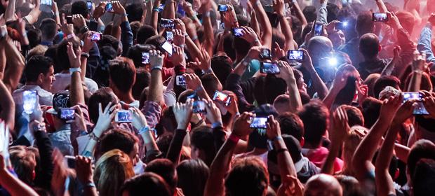 Grabar actuaciones con el móvil podría llegar a su fin
