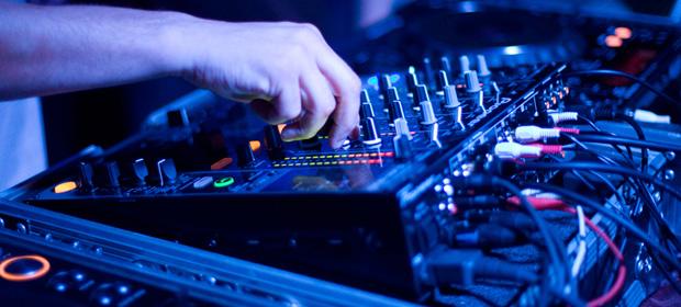 Un DJ indio de 25 años es asesinado