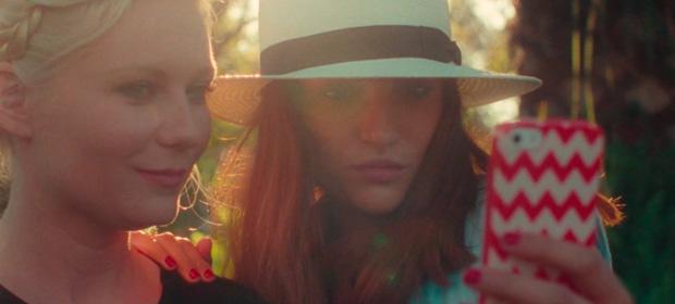 """Kirsten Dunst critica los selfies con el vídeo """"Aspirational"""""""