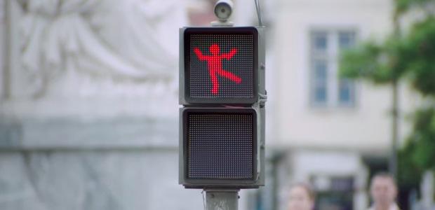 The Dancing Traffic Light, una forma divertida de esperar a cruzar la calle