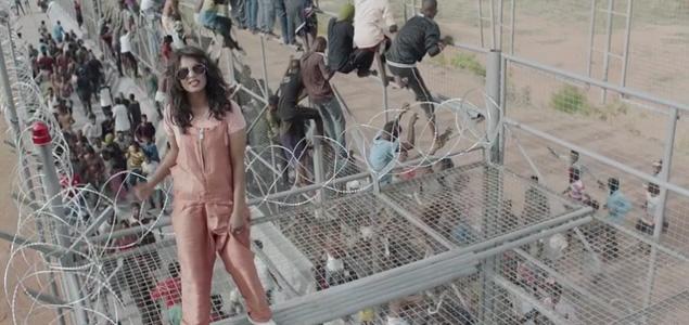 """M.I.A. con los refugiados en su nuevo vídeo """"Borders"""""""