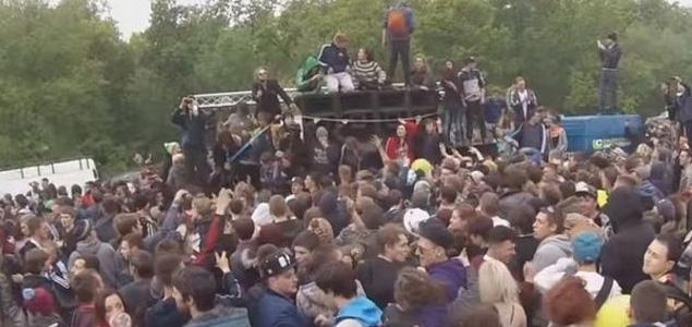 Marcha pacífica a favor de las Raves