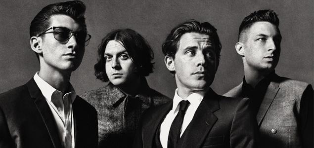 Arctic Monkeys muestran su lado más solidario