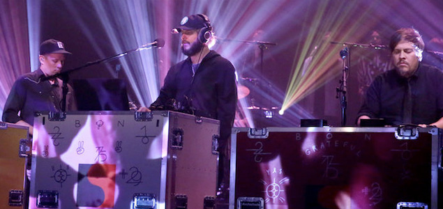 "Bon Iver interpreta ""8 (circle)"" en el programa de Jimmy Fallon"