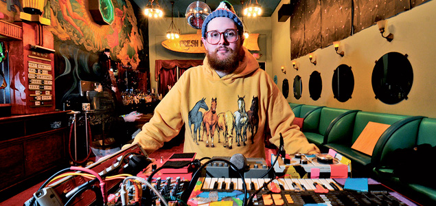 "Dan Deacon estrena ""Change Your Life (You Can Do It)"""