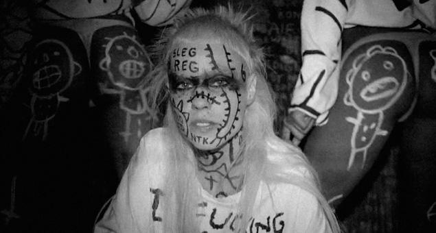 "Die Antwoord estrena vídeo de ""Fat Faded Fuck Face"""