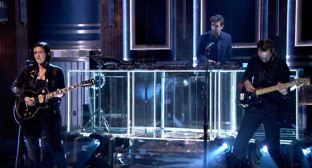 The xx en directo en el programa Jimmy Fallon