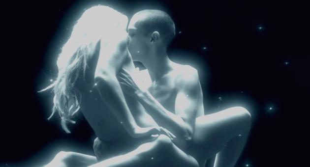 """El sexual vídeo de Justice para """"Pleasure (Live)"""""""