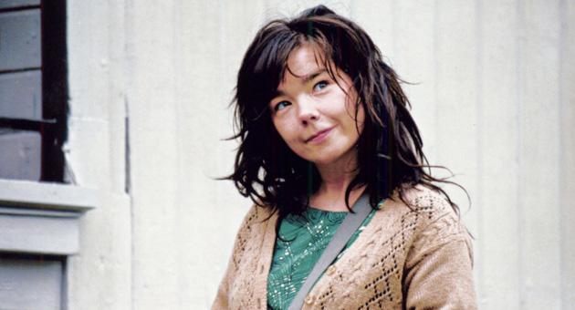 """Björk denuncia los abusos que sufrió de un """"director danés"""""""