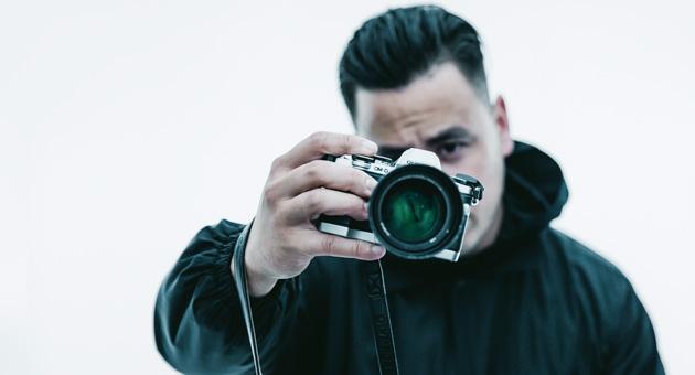 Ta-ku pone música a sus fotografías