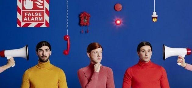 """Two Door Cinema Club anuncia nuevo disco """"False Alarm"""""""